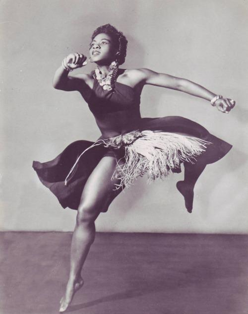RT @TheBAHC: .@PaulaAbdul dancer/choreographer/anthropologist Pearl Primus promoted knowledge w/African dance #BlackHistoryMonth http://t.c…