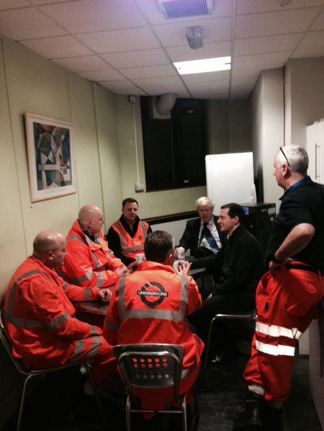 Earlier Chancellor & I were at Victoria Station to meet those who do latenight essential maintenance work to Tube 1/2 http://t.co/0Ggvkbq2Gf