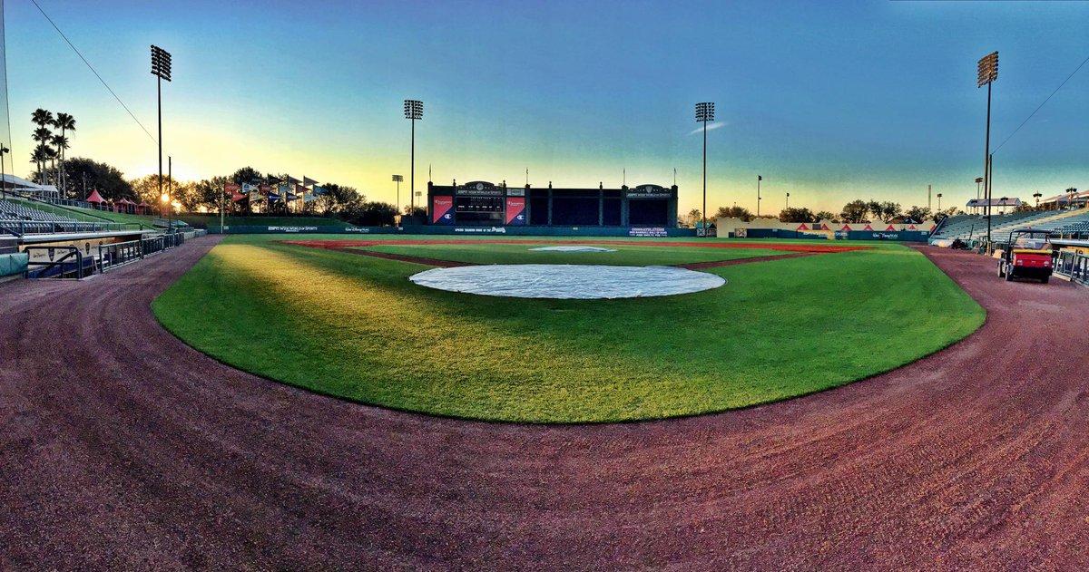 Sunrise over Champion Stadium. #Braves pitchers & catchers report today. Welcome back folks! http://t.co/Vwg0KJYZwJ