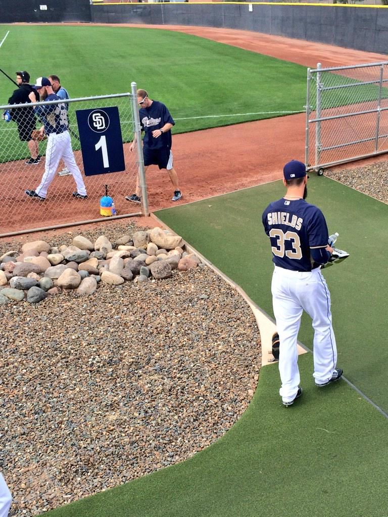 James Shields heading out to his first official workout as a Padre. #PadresST