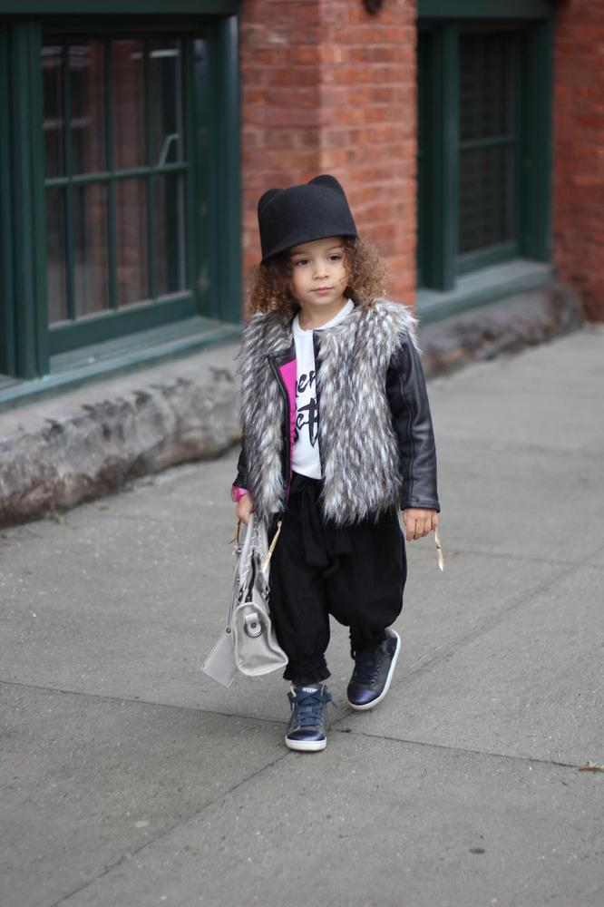 0279569d56d4 I want her style. Fierce 3-Year-Old Fashionista Is Taking Instagram By Storm  http://buff.ly/1CVa8Nr pic.twitter.com/ZTXoHf4zuv