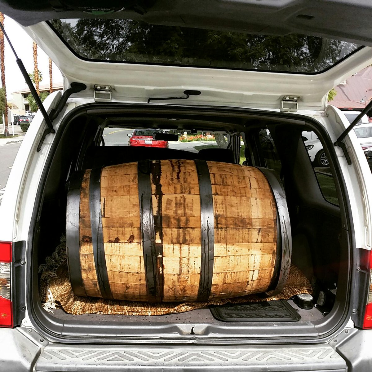 No, officer. I swear I haven't been drinking. Not sure why my car smells like whiskey & #craftbeer. @CVBrewingCo http://t.co/94kvPs61gp