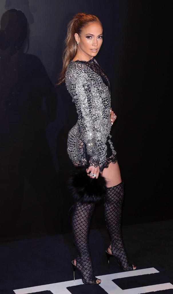 "62ec60cd932 "" IAMFASHlON  Jennifer Lopez shut it down at Tom Ford.  pic.twitter.com KwLDEvVqf4"""