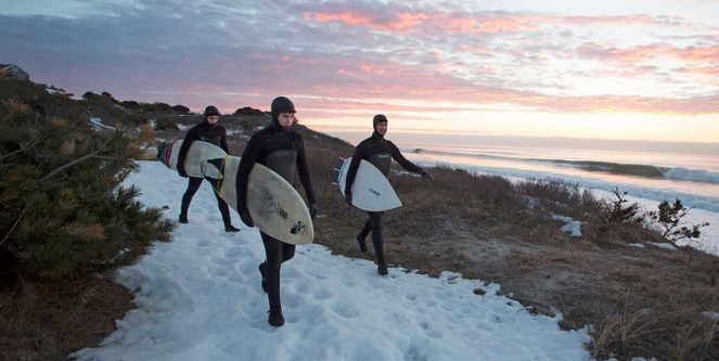 Love this .. winter surfing out at Stonewall Beach !  http://t.co/uLrttk63DM http://t.co/heUMoDxqEm