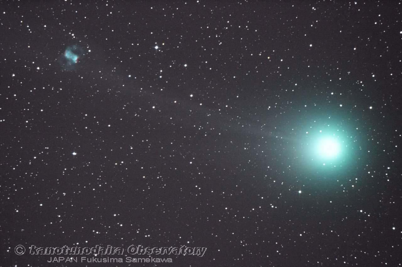 ラブジョイ彗星の尾の中のM76。