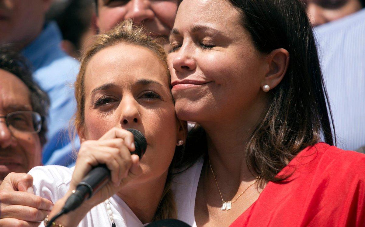 'Esta é uma ditadura ligada ao crime e ao narcotráfico', afirma María Corina Machado http://t.co/u2DEzHAxTm http://t.co/v9M5foZBWN