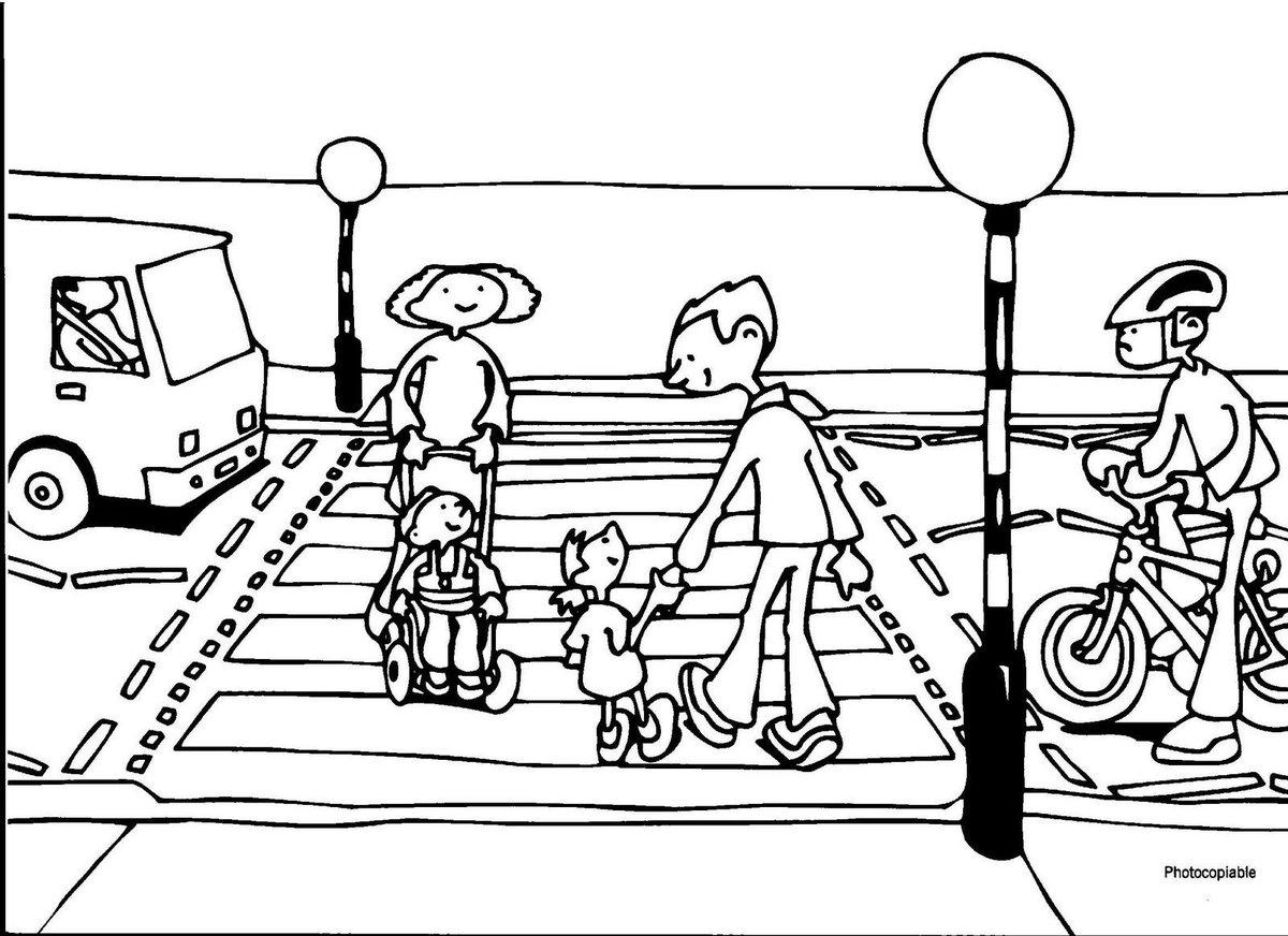 Safers,jika traffic light menyala merah berhentilah di belakang garis stop,karena zebra cross adalah hak pejalan kaki http://t.co/8fv0z7c6eQ