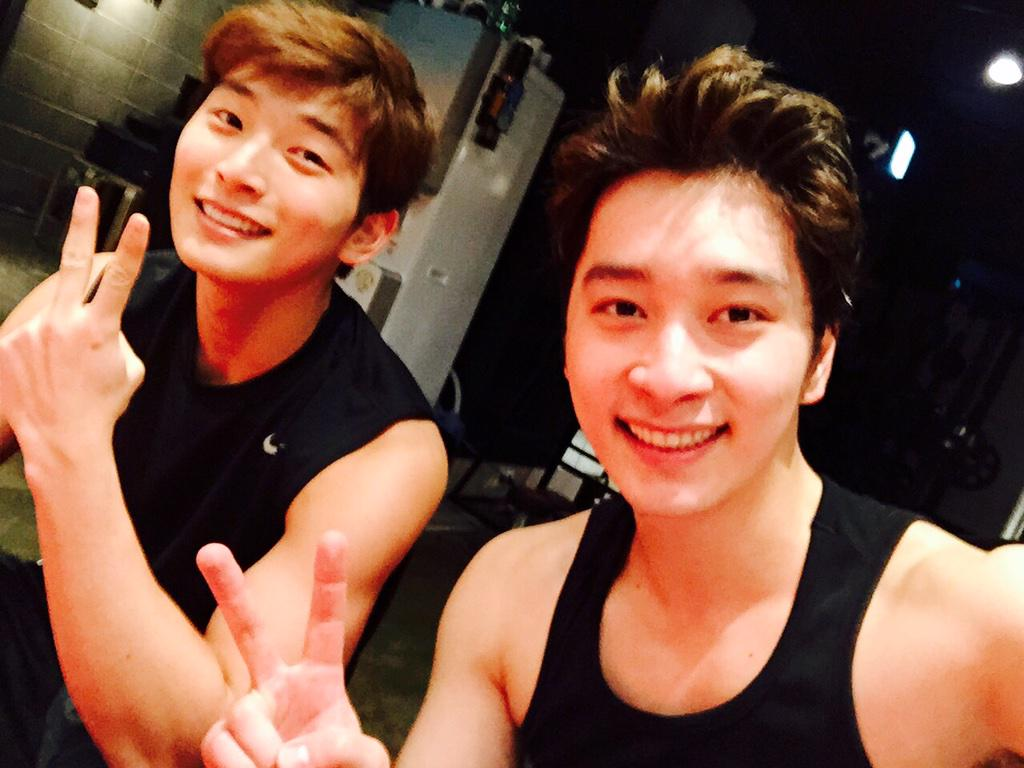 Appreciation] Giant maknaes, 2PM's Chansung and 2AM's Jinwoon