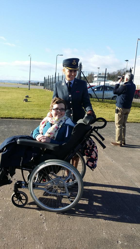Waiting for the flypast with Corporal Beccy Dalgleish #dundee @132SqnATC #aircadets http://t.co/OaNvTNpWxK