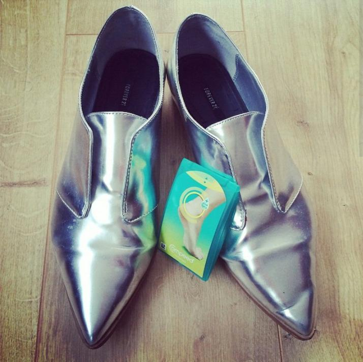It's day 2 of #LFW and we're ready to go with @Forever21 and @CompeedUK #LFW #LFW15 #Brogues #Shoes #metallics #style http://t.co/fHw2mdGA7Y