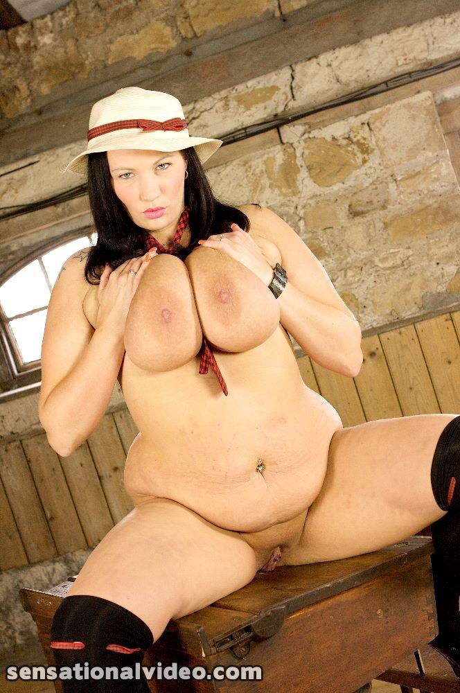 Simone Anal 67