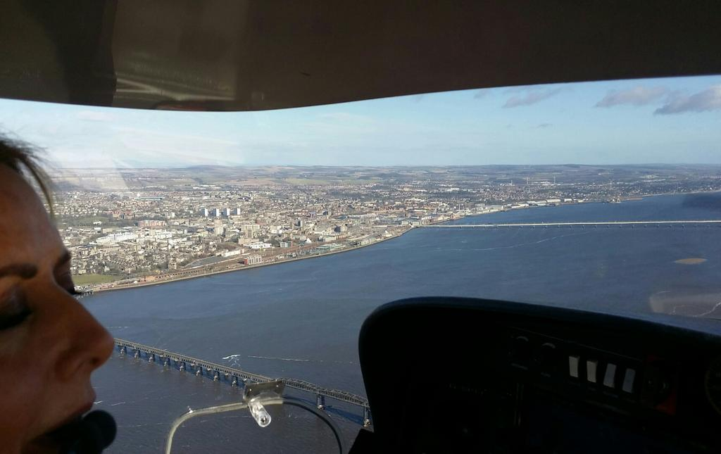 Downwind at Dundee... stunning day x #aircadets #whatwedo http://t.co/Z5LvAwj8Mu