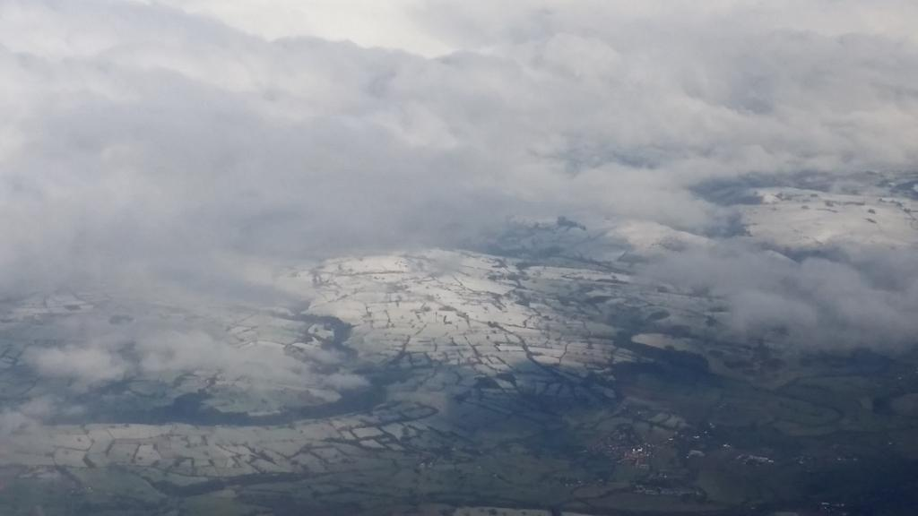 Overhead a snowy Peak District #flyingtoDundee #aircadets x FL100 http://t.co/8b163dkf6C