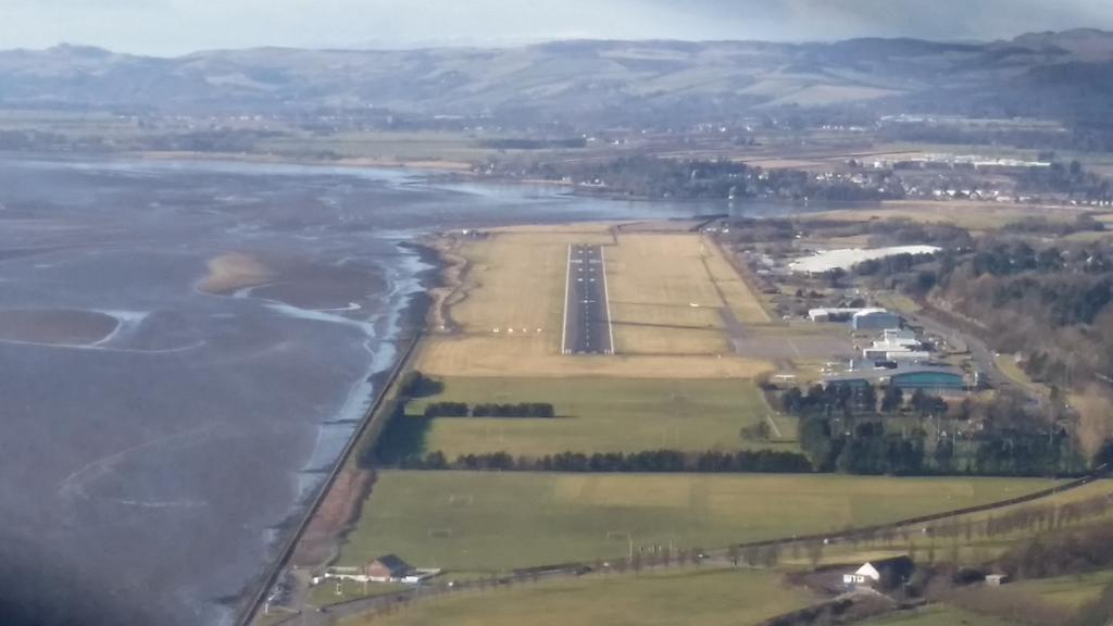 Now this is an airfield with a view... Wow Dundee.. #aircadets #whatwedo x here for a wonderful day with OC132 http://t.co/AnO2g1k3L3