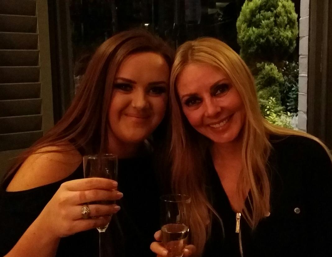 Having a lovely evening with the wonderful Katie @WithLoveGracie x http://t.co/vKdXypRpGi