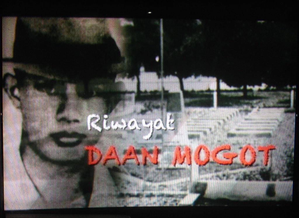 Siapa itu Daan Mogot? ikuti kisahnya dlm program Melawan Lupa pkl 23.05 hr ini @Metro_TV  cc @AsepKambali  @JJRizal http://t.co/IiK1M97IhB