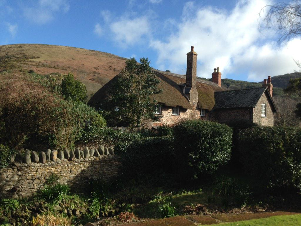This weekend's example of the beautiful cottages on the North Coast of Exmoor/West Somerset @ExmoorNP @VisitSomerset http://t.co/PwnpIrgxl8