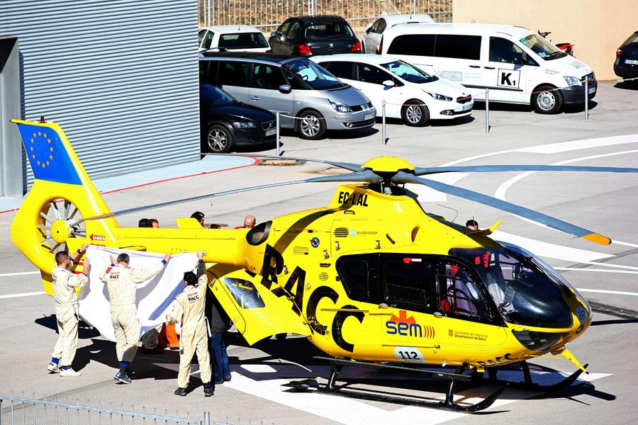 Fernando Alonso airlifted to hospital after testing crash http://t.co/eIwIjLuBF0 #f1 http://t.co/Gso86b3UPm