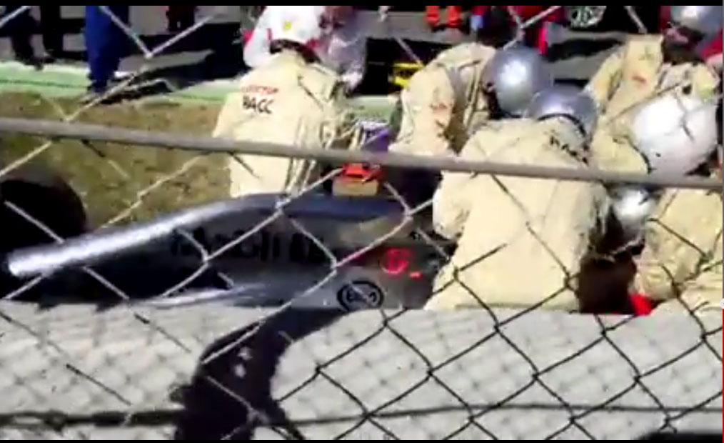 #F1 Así fueron los primeros auxilios que le dieron a Alonso en pista http://t.co/Fmu2doT15P
