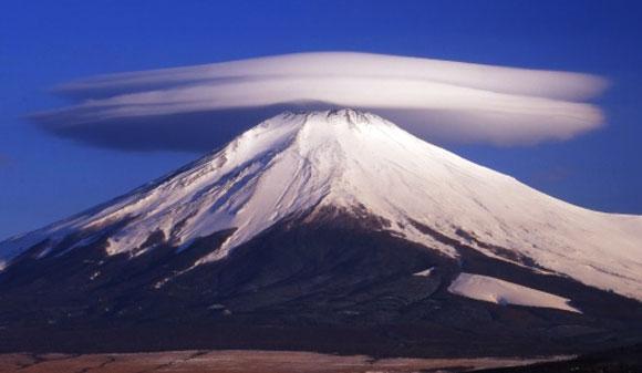 カラパイア : 2月23日は富士山の日 karapaia.livedoor.biz/archives/52185… pic.twitter.com/nW349PyDB7