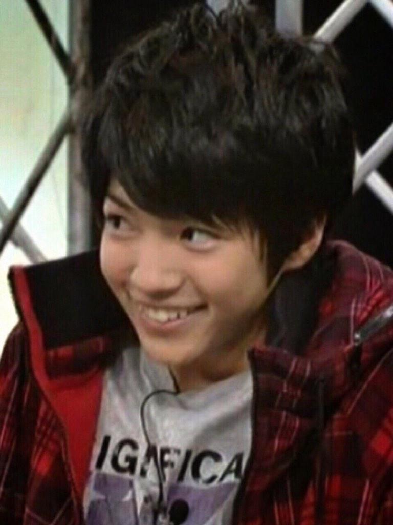 TV番組での可愛い笑顔を見せる西畑大吾