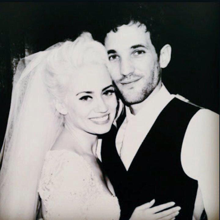 Love this man! 1 year of marriage down....many more to come!  @max_rogers http://t.co/CQ3JeGT7ml