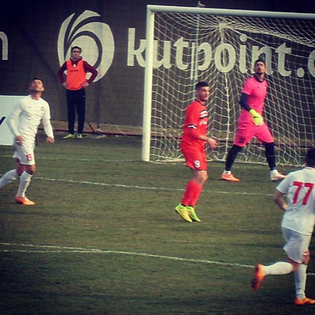 Hristov (#9 in red) during his debut