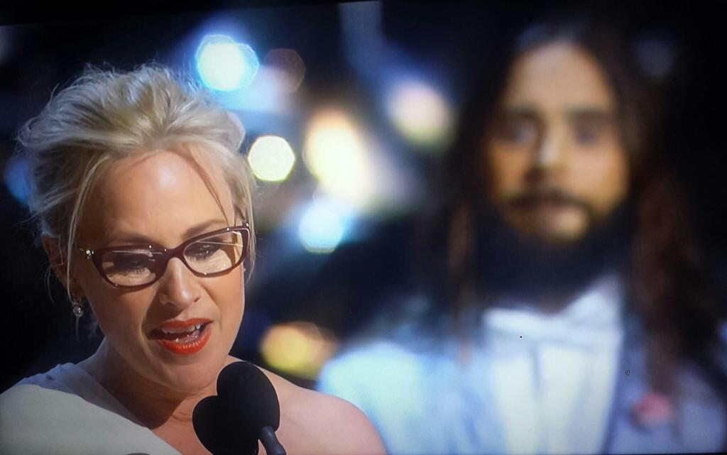 Rare photo of Jesus blessing #PatriciaArquette during her #Oscar acceptance speech http://t.co/XUrq05i2Og