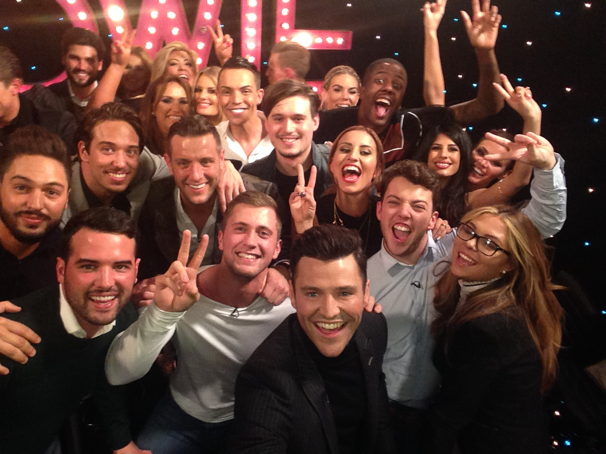 *THAT* #Oscars' selfie has got nothing on our gorgeous #TOWIE selfie… http://t.co/8ytyCaUTrk