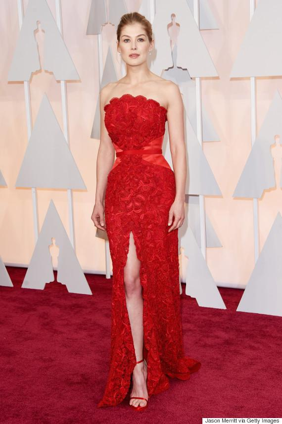 Rosamund Pike just shut down the #OscarsRedCarpet http://t.co/oieqI5sek4