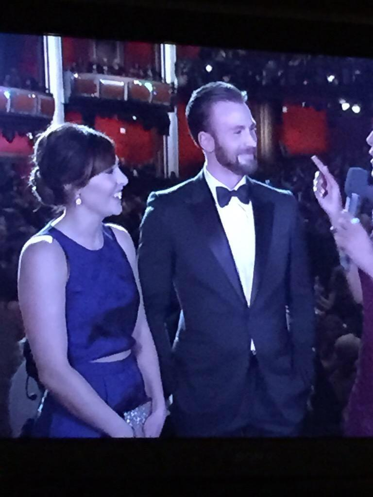 LOYALTY RT @deadcooI: Chris evans brought his date from highschool im dead http://t.co/ZZ9DAbugm2