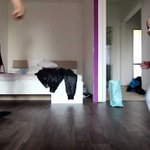 Image for the Tweet beginning: 【可愛すぎ!!】パパと一緒にブレイクダンスする赤ちゃん    #可愛い #赤ちゃん #可愛いと思ったらRT  #ダンス #ブレイク