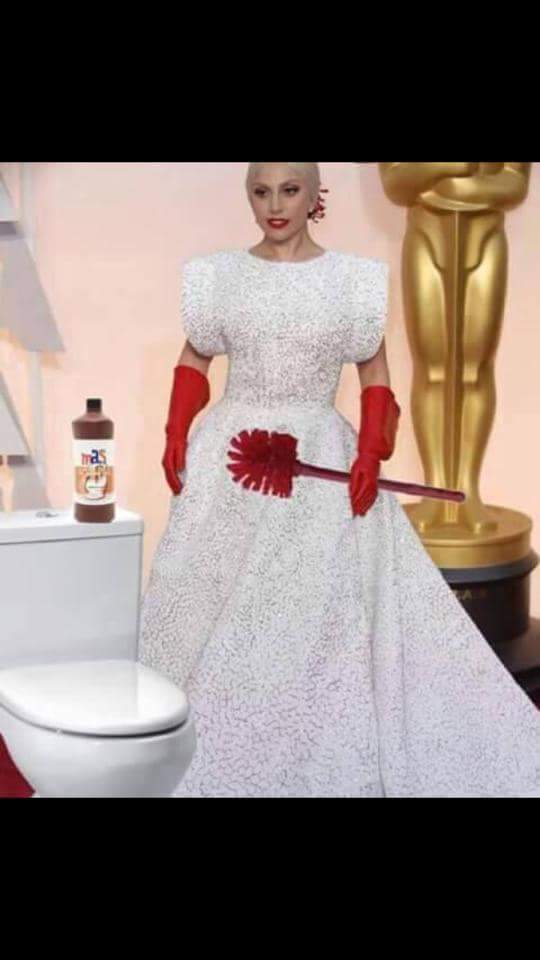 "This is the worst #Oscars dress ever. There is no such thing as ""scrub woman chic."" A new low 4 Gags. #Sad @ladygaga http://t.co/TxBfeZ1hRf"
