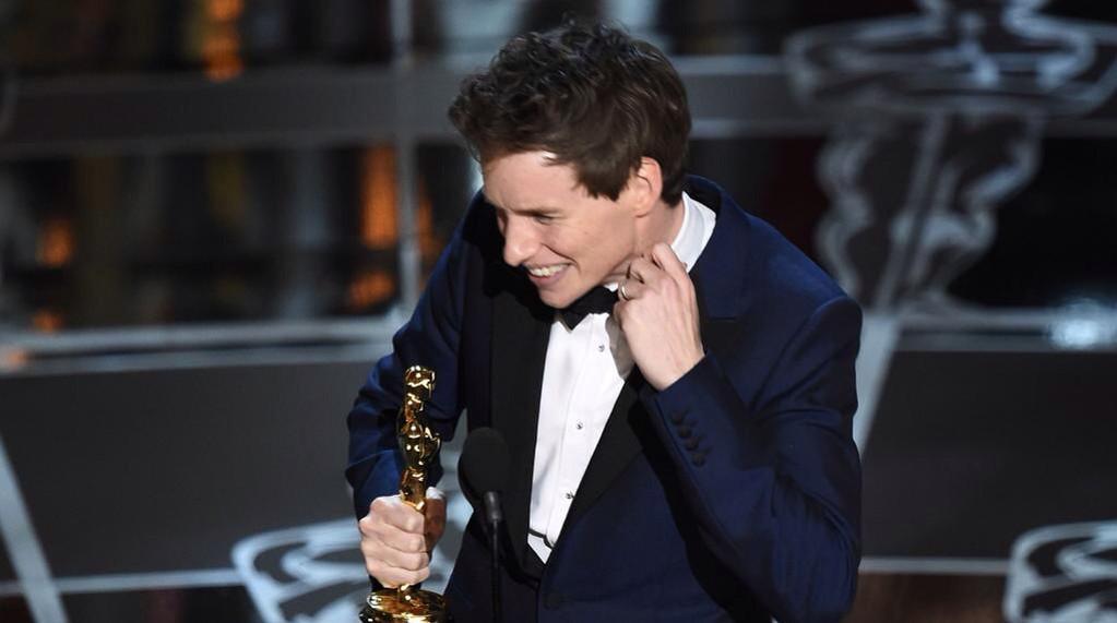 Eddie Redmayne ritira il Premio Oscar 2015