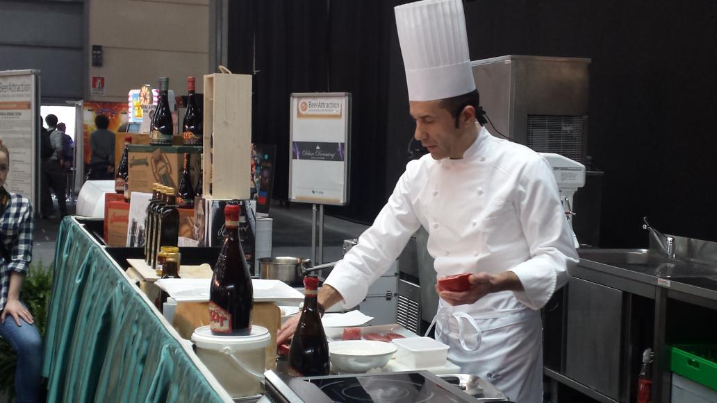 letizia magnani on twitter lo chef roberto scarpelli a beerattraction cucina con birra rossa sale aromatizzato di cervia e tonno pinna gialla