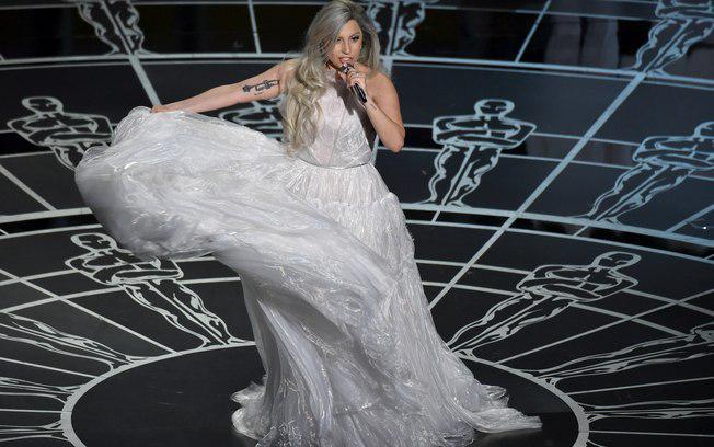 Bateu o sono e não viu o #Oscar? Confira os melhores (e os piores) looks http://t.co/Q4ZdANn66E #LadyGagaOscars2015 http://t.co/N9nCp6JXpC