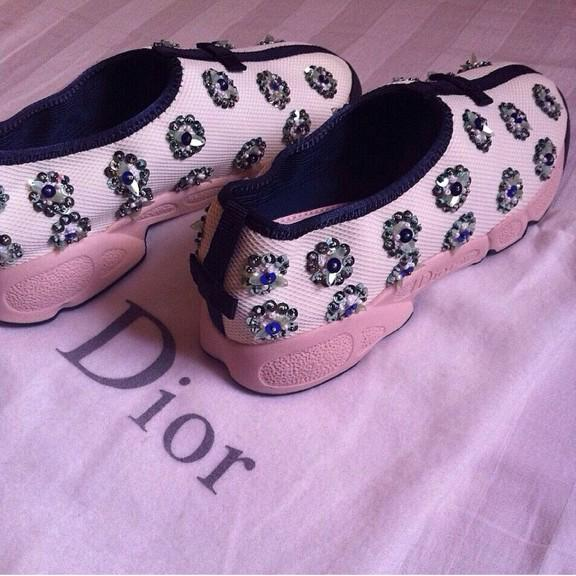 Dior-ديور. B-i-0yfCYAAdfFP.jpg
