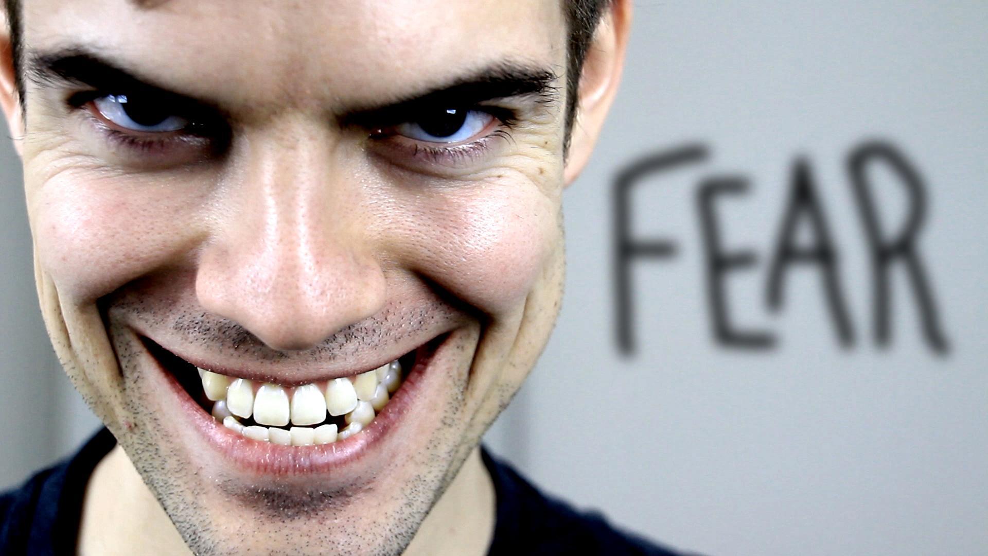 """jacksfilms on Twitter: """"Uploading now! http://t.co/foa6bGSvsA"""""""