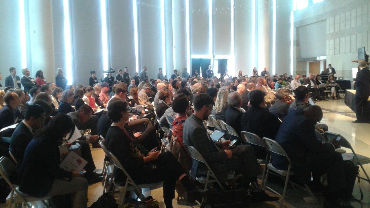 Standing room only #Liverideshare conf. So.Californians are ready 2 share bikes, cars, and ditch traffic gridlock http://t.co/OWCyF8QFRM