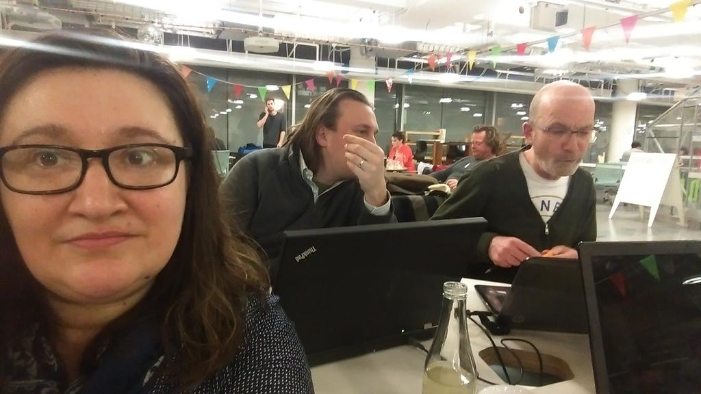 Am having working meeting for @CoopsLDN with @Scumboni & @jdaviescoates in the fab @hubwestminster #coopselfie #coops http://t.co/I3ScwlJBke