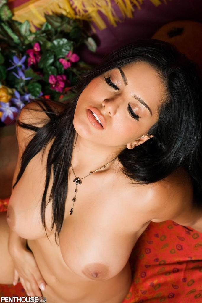 Sunny milk in breast sex