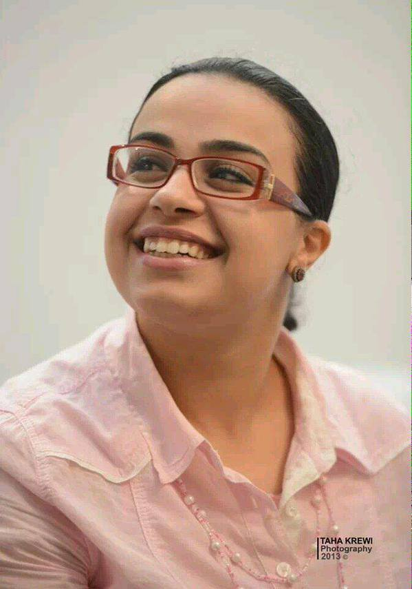 #Libya-n activist Intisar Hasairi assassinated in #Tripoli, our sincere condolences go out to her family الله يرحمها http://t.co/erQQIWVW6h