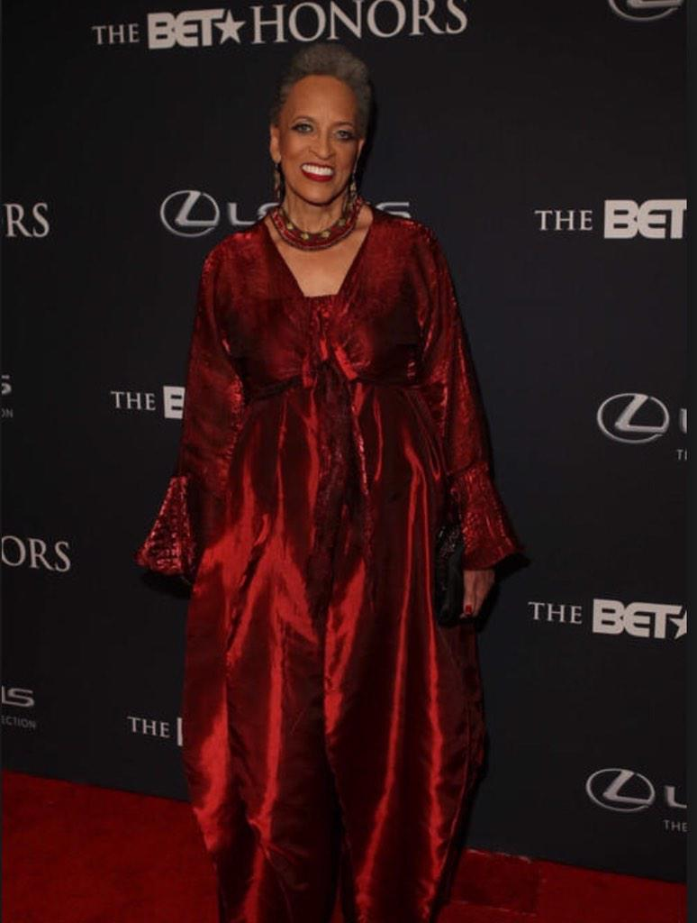 And she looked sickenin' #BETHonors #DrJohnettaBCole http://t.co/FKDlKZOZ4X