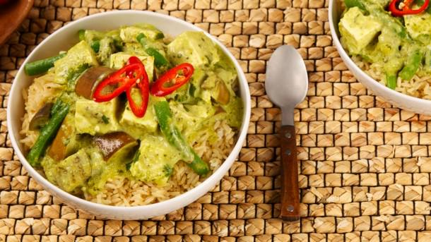 #Thai green curry at home: easier than you think.  http://t.co/BvwPOegE2F http://t.co/wGCnmYdtTi