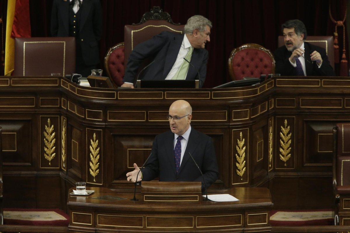 GOBIERNO | Proyecto de Ley Orgánica por la que se hace efectiva la abdicación de Su Majestad el Rey Don Juan Carlos I de Borbón B-n_ewSWsAAmyLZ