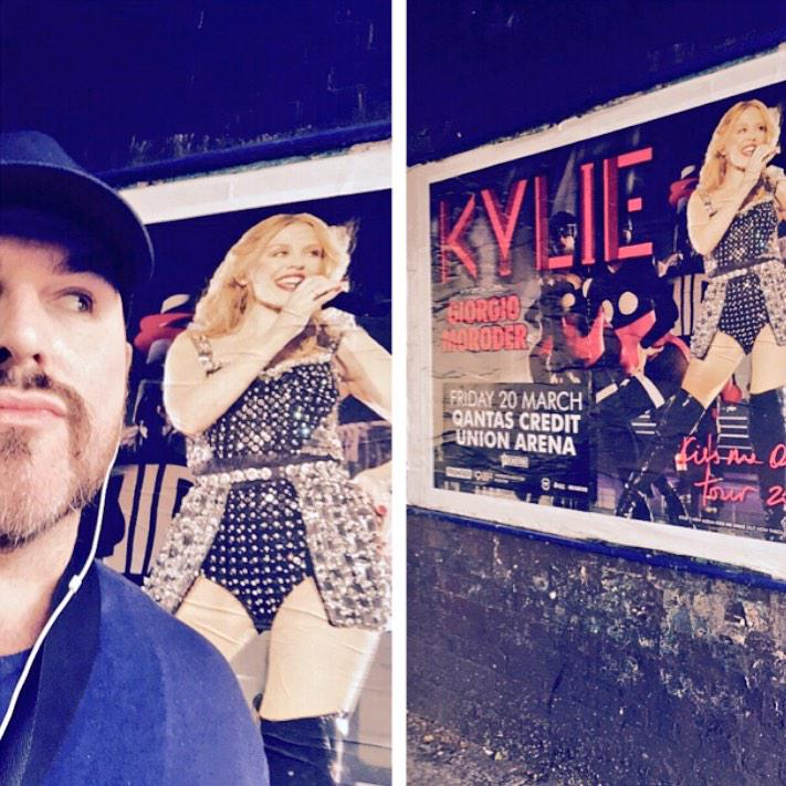 Walking along listening to @kylieminogue