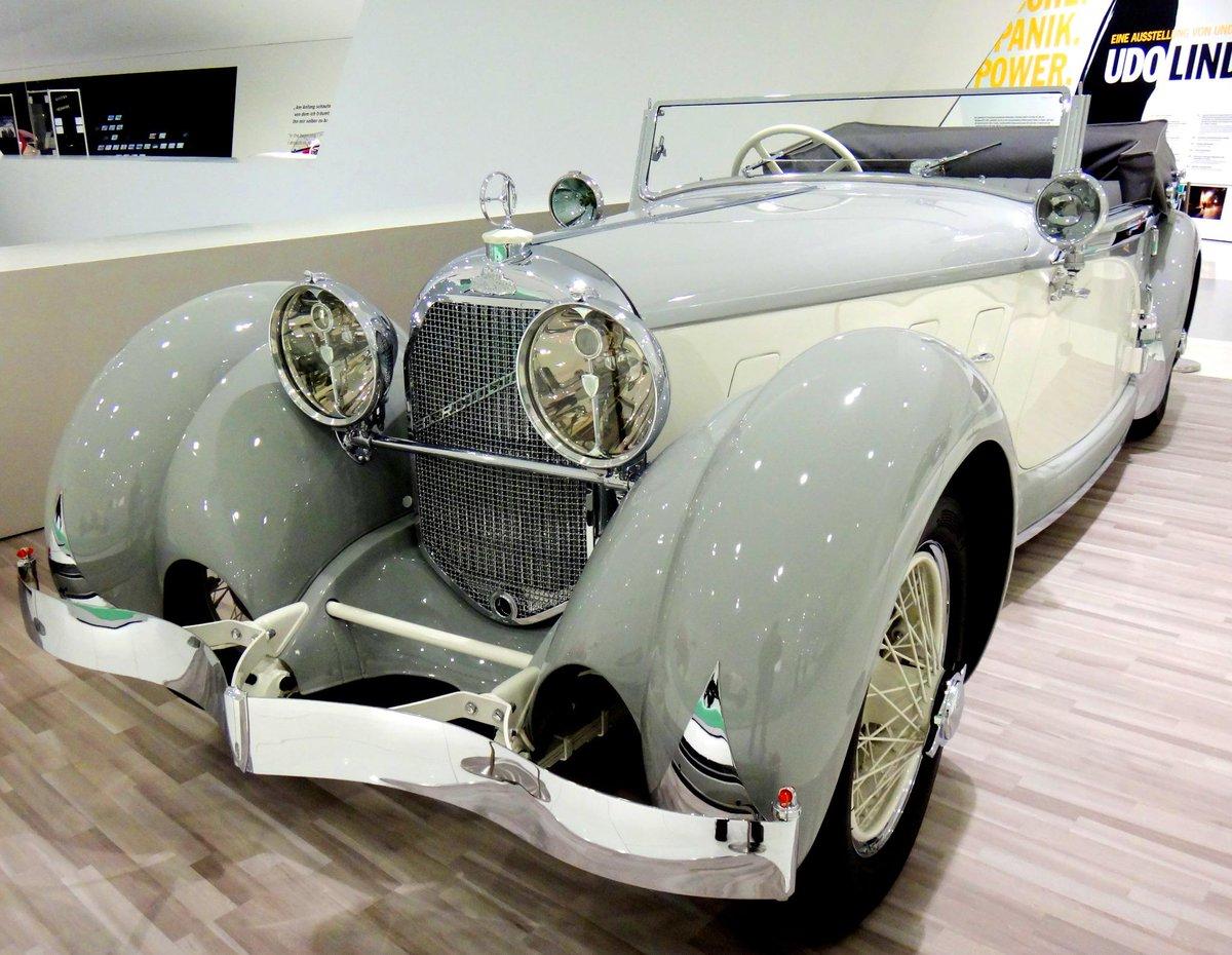 ポルシェ博物館④完 2000GTに会いたけりゃトヨタ博物館に行けばいいように、メーカー直系らしく希少車のオンパレード。。ポルシェが地元警察に贈ったアウトバーン用パトカーは275km/h出たそうですから、安全に逃げるのは無理でしょう。 pic.twitter.com/isSwufpfqL