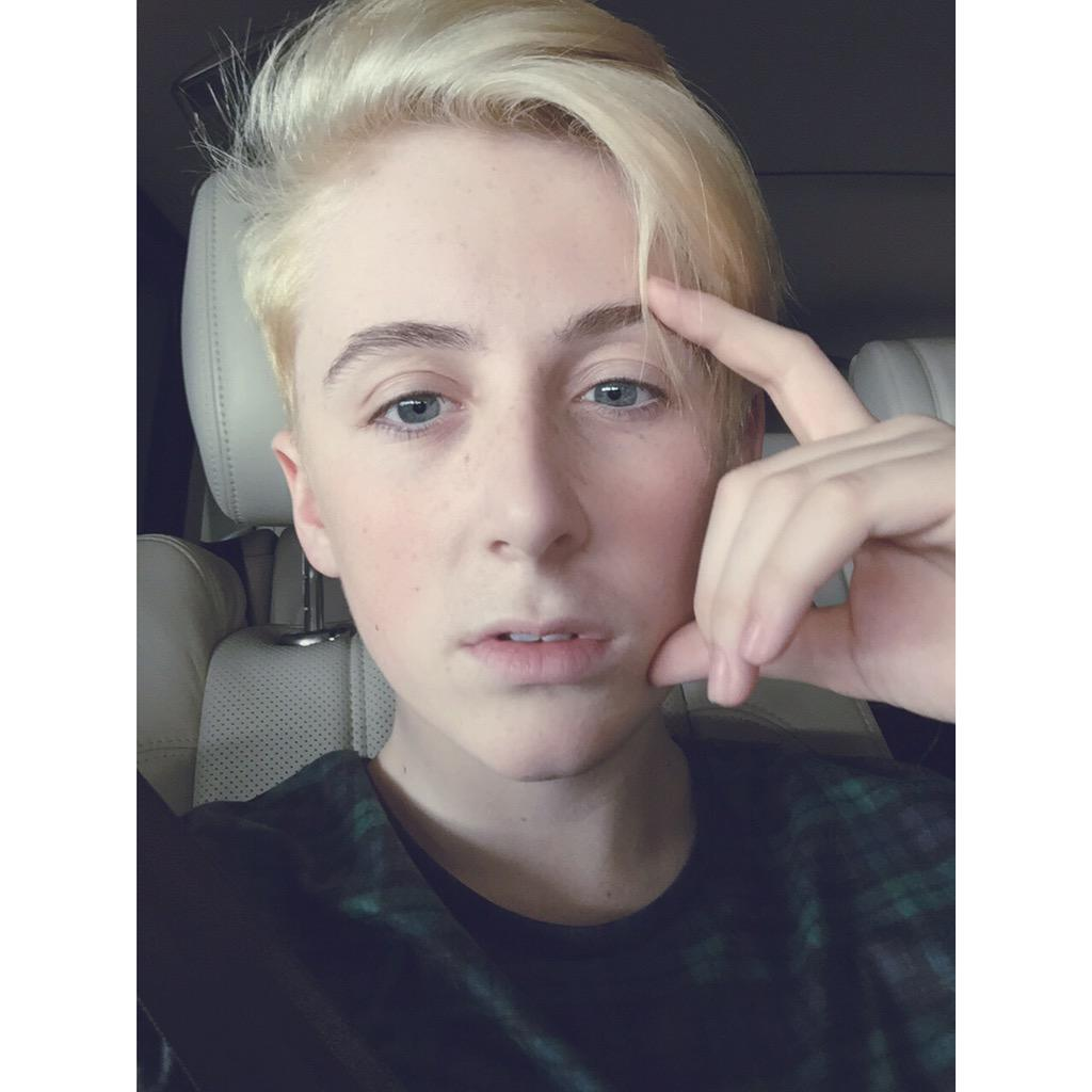 "Trevor Moran on Twitter: ""#blondie 💁💁💁 http://t.co/bVnEcezTWv"""