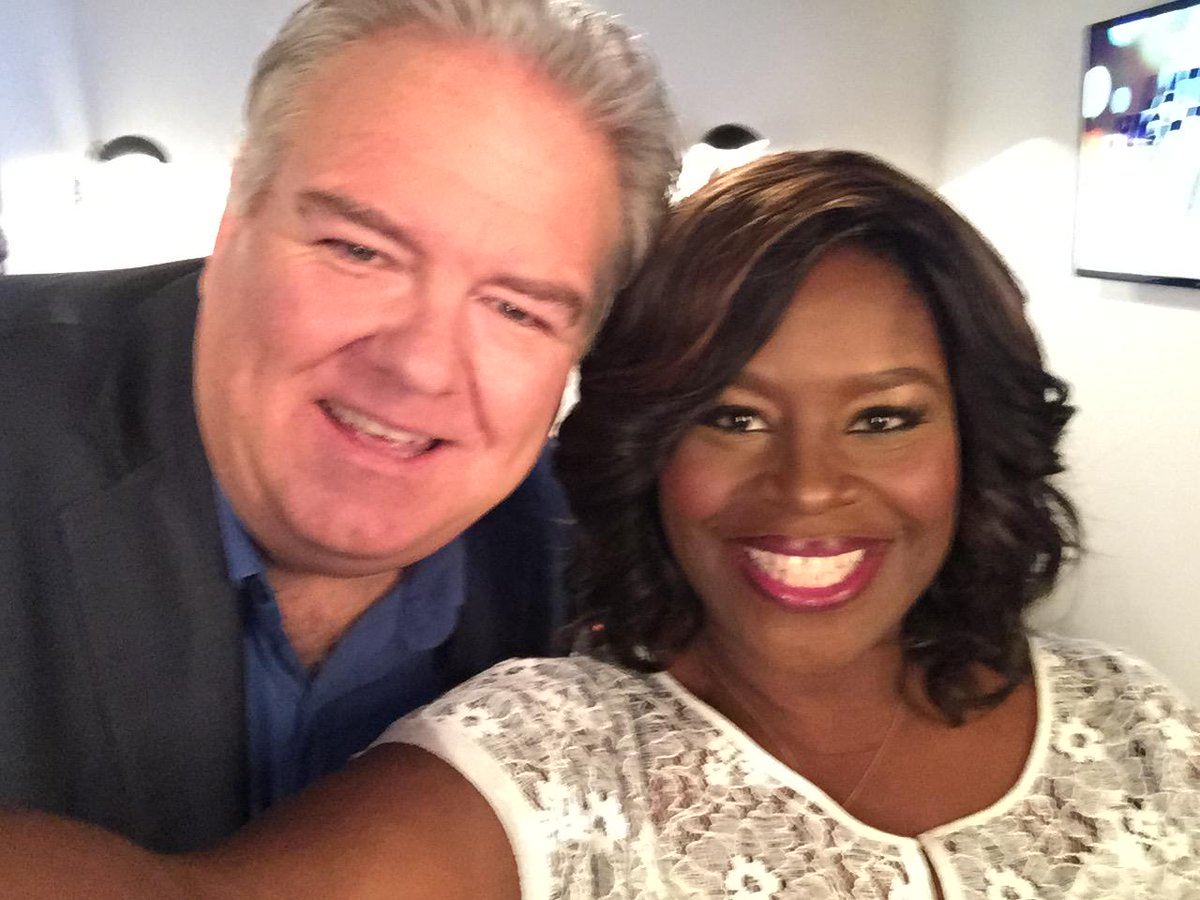 And it begins.  My girl @unfoRETTAble. http://t.co/FOxMvgc13e