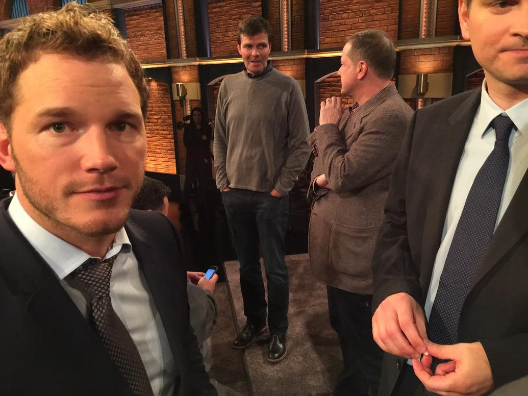 Just wrapped @LateNightSeth.  Such a great time.  Fans were amazing. #thankyoup&r. My boy @prattprattpratt killed it. http://t.co/mixdu0iF6h